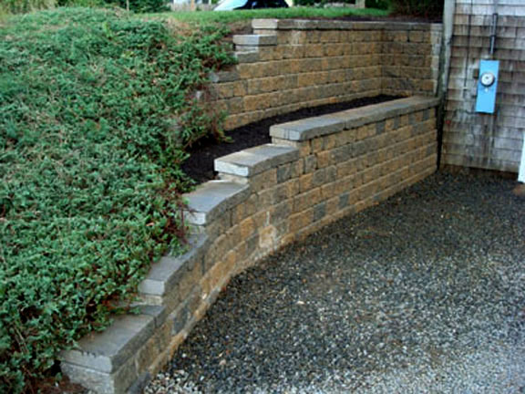 Segmental Retaining Walls | Mike Stacy Landscaping