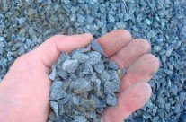 3/8″ Bluestone – Mainly used for driveways but has a tendency to travel around in landscape unless properly contained.